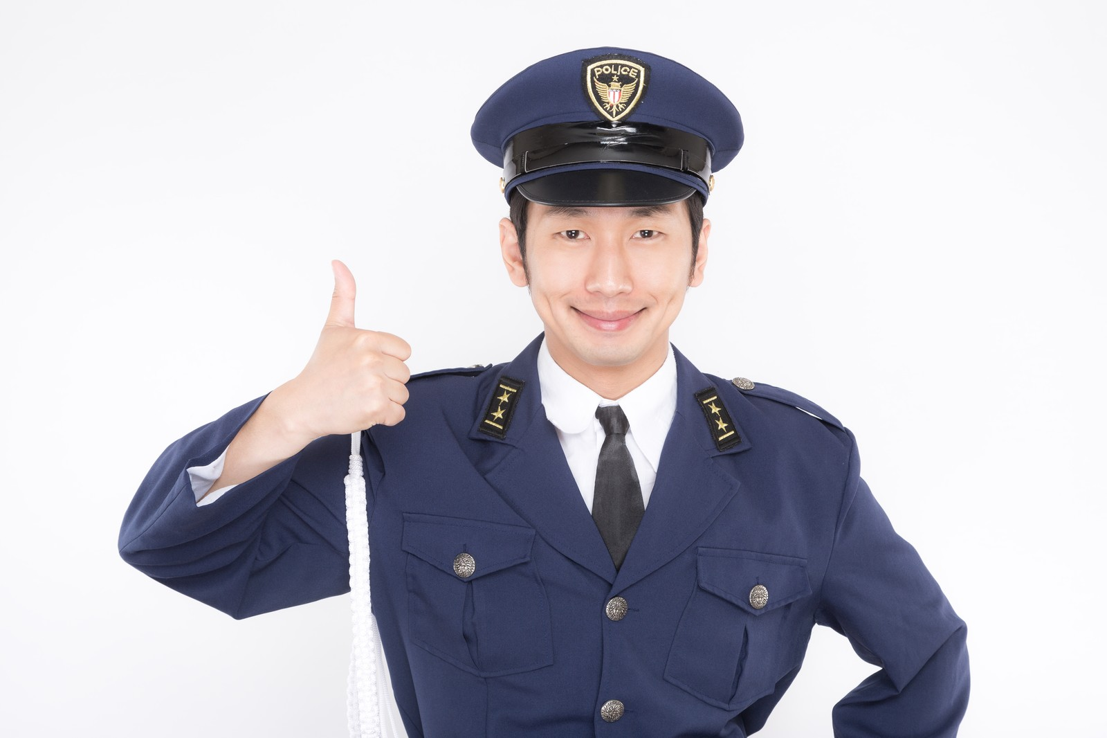 警察官の年収は20代でいくら?行...